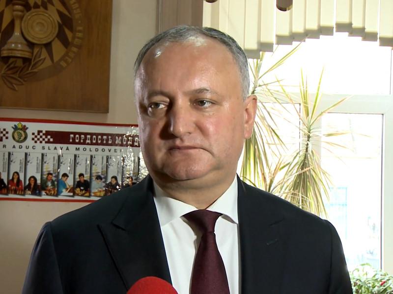 Строптивого президента Молдавии в пятый раз временно отстранили от должности