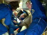 """К МКС пристыковался """"Союз МС-11"""", но другим кораблям угрожает инструмент, потерянный астронавтами в космосе"""