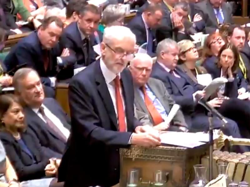 Лидер британских лейбористов инициировал голосование по вотуму недоверия Терезе Мэй
