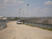 Глава государства не стал вводить в стране режим чрезвычайного положения, который позволил бы добиться выделения нужной суммы на возведение стены на границе с Мексикой без одобрения конгресса