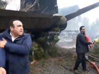 Грузовой самолет Boeing 707, на борту которого находились 10 человек, разбился в понедельник в окрестностях Тегерана. Об этом сообщает агентство ILNA