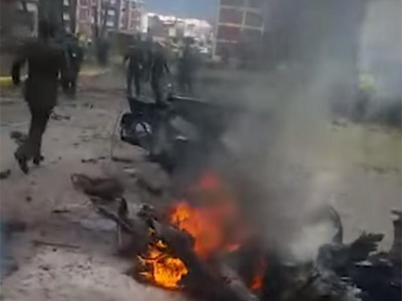 В столице Колумбии Боготе утром 17 января автомобиль, начиненный взрывчаткой, врезался в стену здания национальной полицейской академии. Раздался взрыв, погиб по меньшей мере 21 человек, 87 ранены. Власти квалифицировали произошедшее как теракт