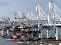 """В Нью-Йорке избавились от части старого моста через Гудзон, разочаровав зевак """"посредственным"""" взрывом (ВИДЕО)"""