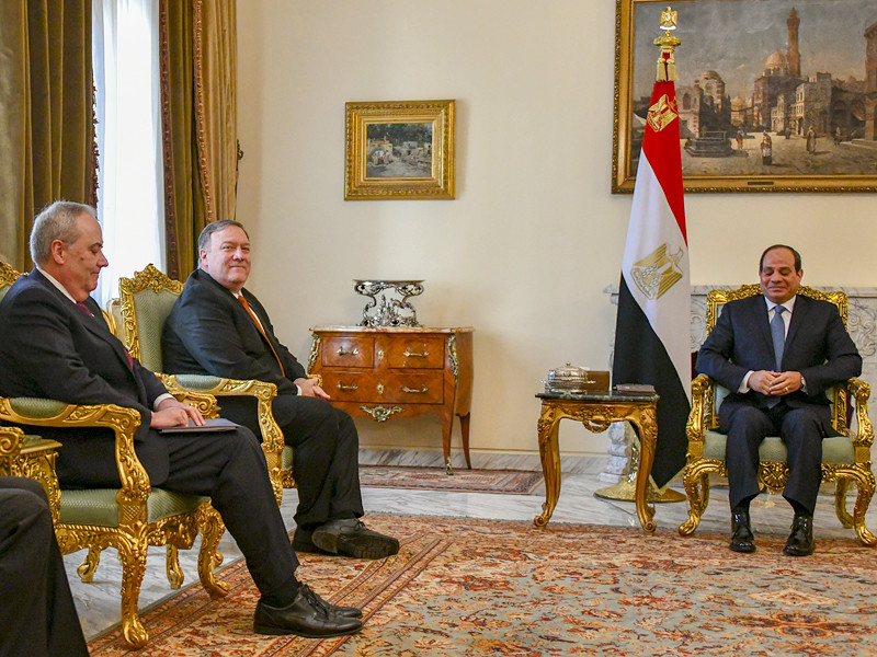 Госсекретарь США Майк Помпео на встрече с президентом Египта Абдул-Фаттахом Халилом Ас-Сиси