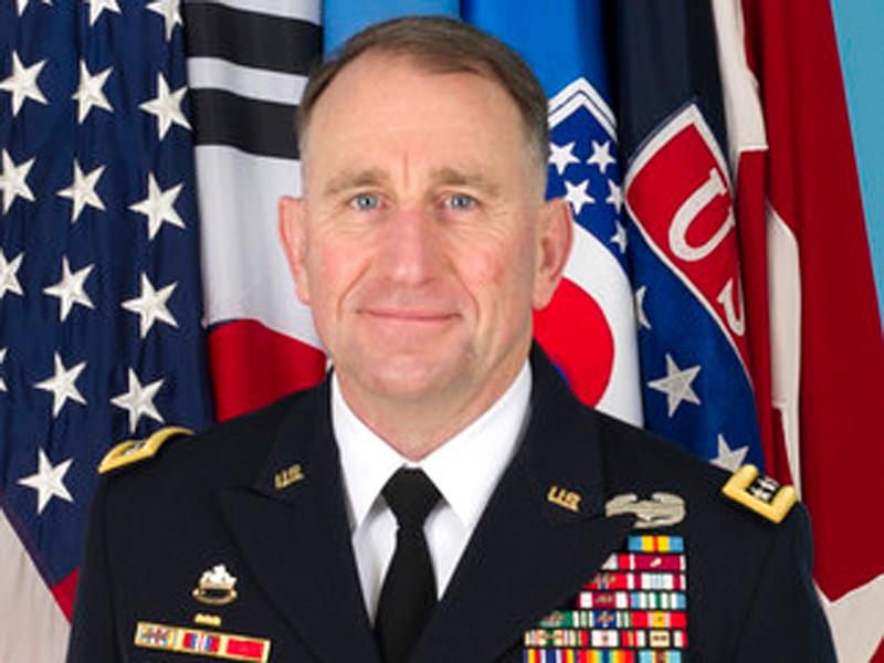 Командующий американскими войсками в Республике Корея генерал Роберт Абрамс