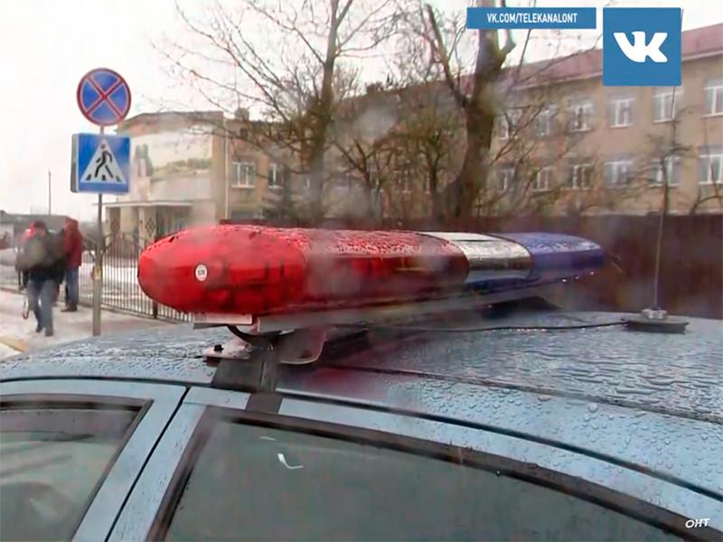 Ученик средней школы в белорусских Столбцах (Минская область) нанес ножевые ранения учительнице и трем школьникам, в результате чего педагог и один из подростков скончались