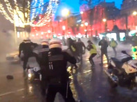 Французские полицейские потребовали  ужесточить меры против протестов