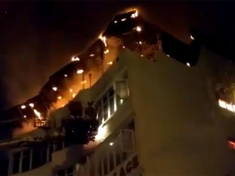 По меньшей мере 17 человек погибли в результате пожара в отеле April Palace Hotel в Нью-Дели. Как сообщила газета The Times of India, инцидент произошел в 04:35 по местному времени (01:05 мск)