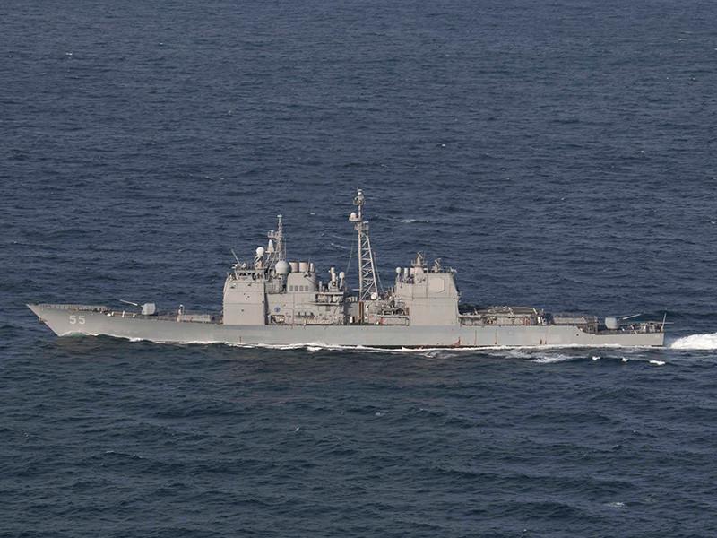 Два корабля Военно-морских сил США столкнулись при пополнении запасов у восточного побережья страны