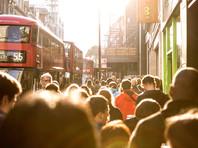Более 50% жителей Великобритании выступают за продление срока выхода страны из Европейского союза, что может повлечь за собой проведение второго референдума и продолжение обсуждения условий сделки с Брюсселем