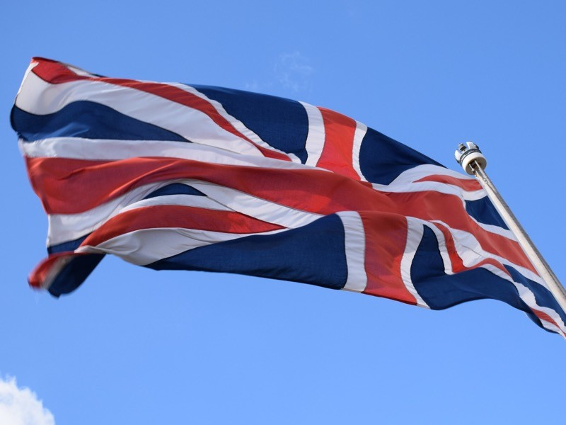 Великобритания выделила 6,5 млн фунтов стерлингов (8,4 млн долларов) на оказание гуманитарной помощи Венесуэле. Средства будут перечислены гуманитарным агентствам, которые действуют в регионе, сообщается в распространенном 13 февраля сообщении Министерства по вопросам международного развития