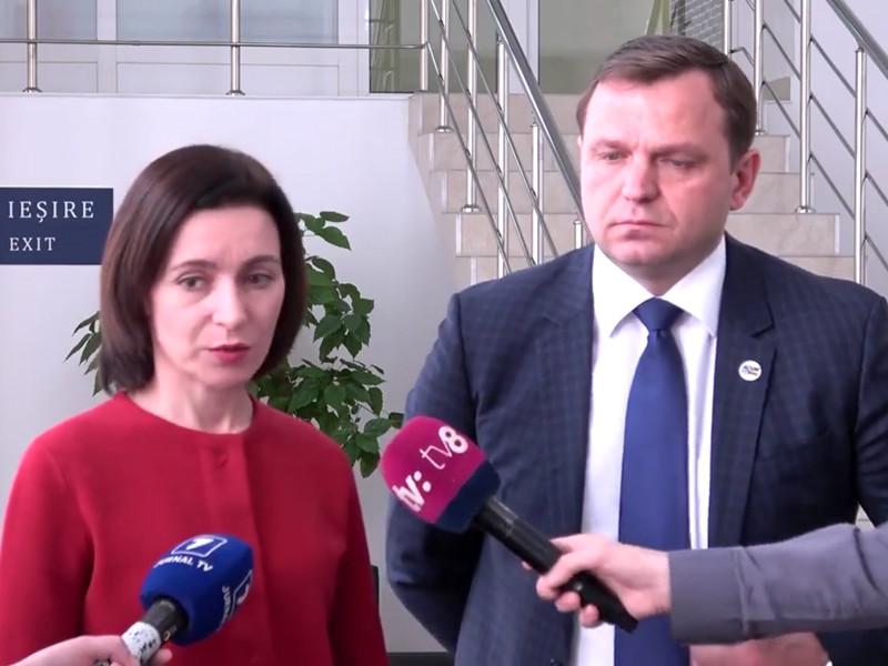 """Лидеры проевропейской оппозиции Молдавии заявили, что их отравили ртутью"""" />"""