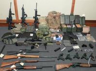 Лейтенанта Береговой охраны США, проходившего службу в штабе в Вашингтоне, арестовали по подозрению в подготовке теракта. В доме у 49-летнего Кристофера Пола Хессона прошли обыски, в ходе которых правоохранители нашли несколько тысяч патронов и 15 единиц огнестрельного оружия