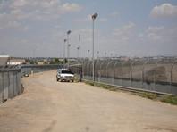 О введении режима ЧП на южной границе США Дональд Трамп объявил в пятницу, 15 февраля. Это шаг позволит президенту получить средства в размере около 8 млрд долларов для возведения стены без одобрения американского конгресса