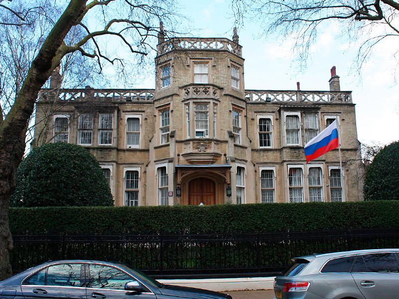 """Посольство России в Британии опубликовало """"десятки вопросов"""" к Лондону по делу Скрипалей"""