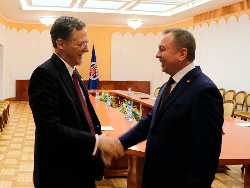 4 марта министр иностранных дел Республики Беларусь Владимир Макей встретился с американской делегацией во главе с заместителем помощника Государственного секретаря США Джорджем Кентом