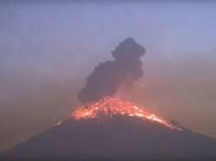От взрыва на мексиканском вулкане Попокатепетль содрогнулись окрестности (ФОТО, ВИДЕО)