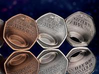 В Великобритании выпустили 50-пенсовую монету с черной дырой в память о Стивене Хокинге (ФОТО)