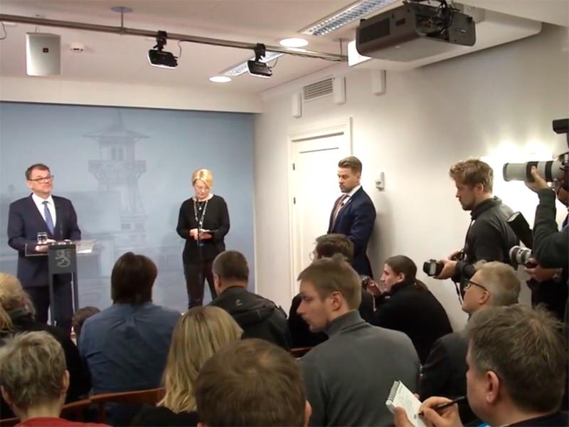 Премьер-министр Финляндии Юха Сипиля 8 марта попросил президента страны Саули Ниинистё отправить кабинет министров в отставку. Глава государства согласился на такой шаг