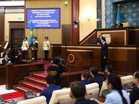 """Назарбаев остается пожизненным """"отцом народа"""", в его честь Астану переименовали в Нурсултан"""