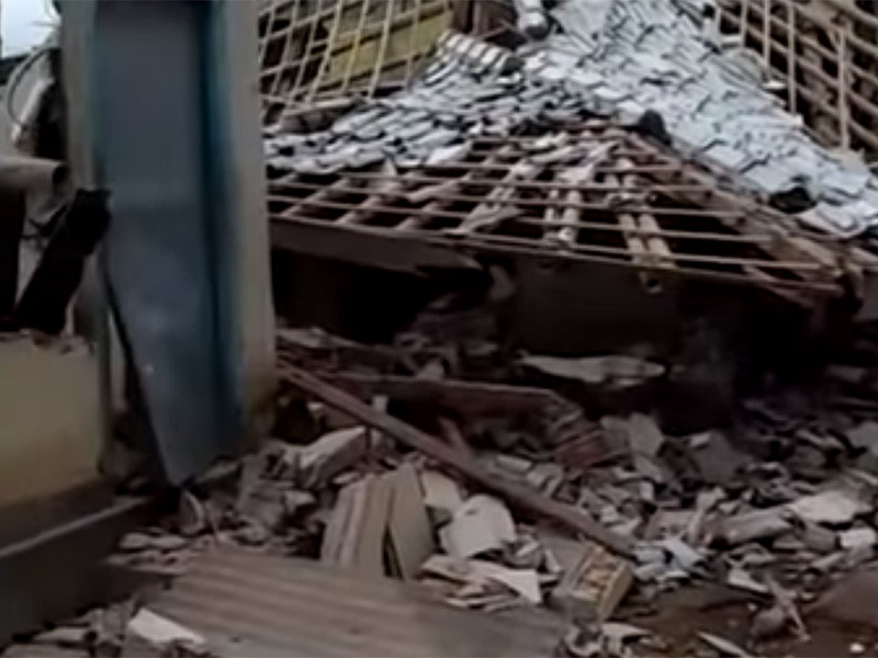 На популярном индонезийском курорте землетрясение обрушило камни на иностранных туристов (ФОТО, ВИДЕО)