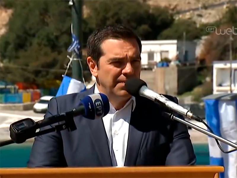 """Турецкая авиация создавала помехи вертолету греческого премьер-министра, летевшего отмечать День независимости"""" />"""