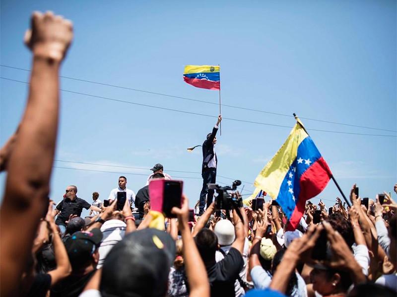 """озвращение Гуайдо в Каракас власти Венесуэлы """"отметили"""" отключением соцсетей"""