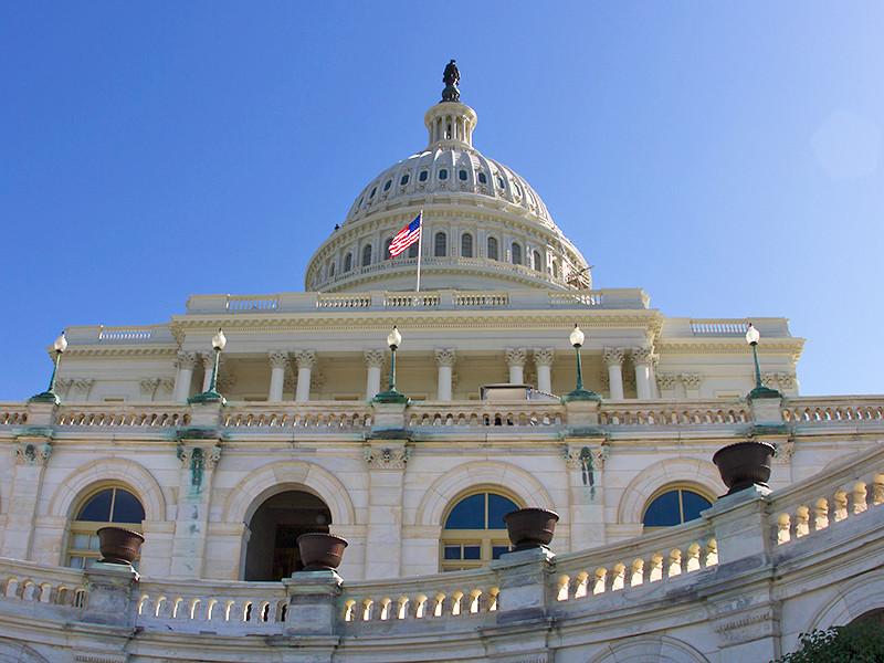 Конгресс США предлагает запретить россиянам въезд в страну из-за поддержки Мадуро