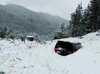 Новая лавина на шоссе в Колорадо погребла под снегом несколько автомобилей (ФОТО,ВИДЕО)