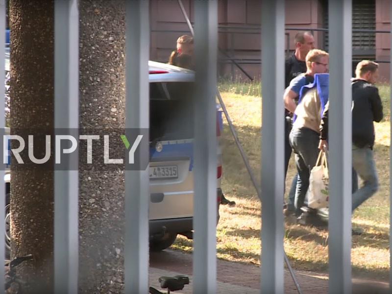 Прокуратура Германии предъявила обвинения 31-летнему гражданину РФ чеченского происхождения Магомеду Али К., который подозревается в подготовке теракта в Берлине с использованием взрывчатки