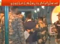 Пакистан передал задержанного индийского пилота представителям посольства этой страны