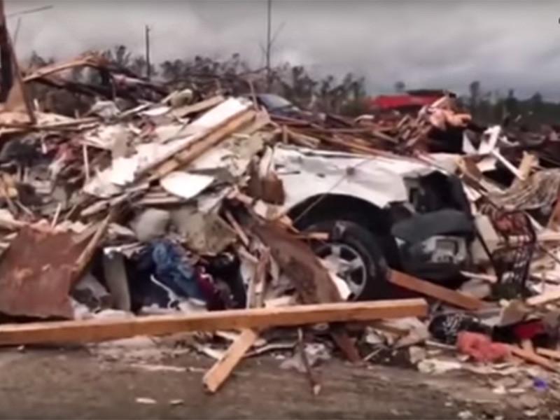 Как минимум 22 человека погибли в результате торнадо, который обрушился на американский штат Алабама вечером 3 марта