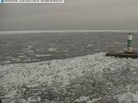 Озеро Мичиган покрылось острыми осколками льда (ФОТО, ВИДЕО)