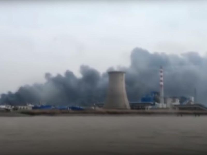 Число жертв взрыва на химзаводе в Китае возросло до 44 человек, сообщил мэр города Яньчэн Цао Лубао