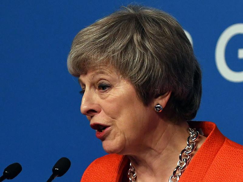 Мэй сорвала голос, убеждая британский парламент принять новый вариант сделки по Brexit, но его отвергли