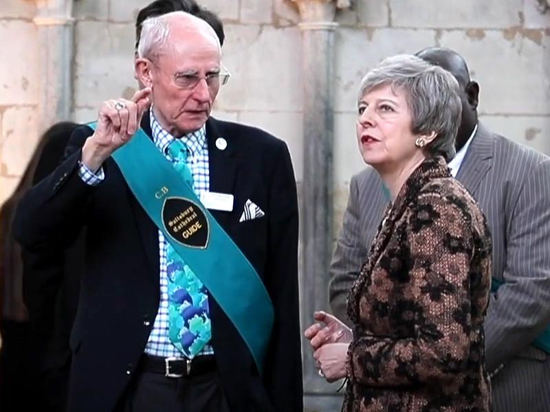 Премьер-министр Великобритании Тереза Мэй посетила 4 марта английский город Солсбери