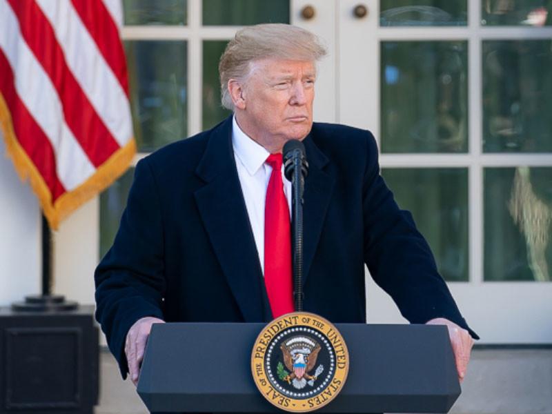 Президент США Дональд Трамп заявил, что решение начать расследование о сговоре его предвыборного штаба с российскими чиновниками было попыткой государственного переворота