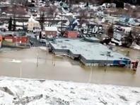 Ледовый затор привел к потопу в городе на юго-востоке Канады (ФОТО, ВИДЕО)