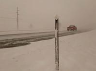 """Зимний шторм """"Уэсли"""" обрушил на США метели, снежную грозу и оранжевый снег"""