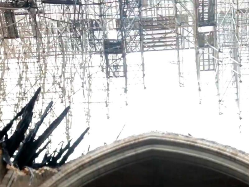 """Во Франции начато расследование мошенничества при сборе средств на реконструкцию собора Парижской Богоматери"""" />"""