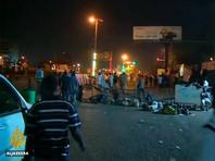 Оппозиция обвинила военных в том, что они начали разбирать баррикады, построенные протестующими около армейского штаба
