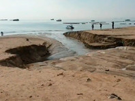 Первый шторм сезона в Паттайе: потоп на улицах и огромные вымоины на пляжах (ВИДЕО)