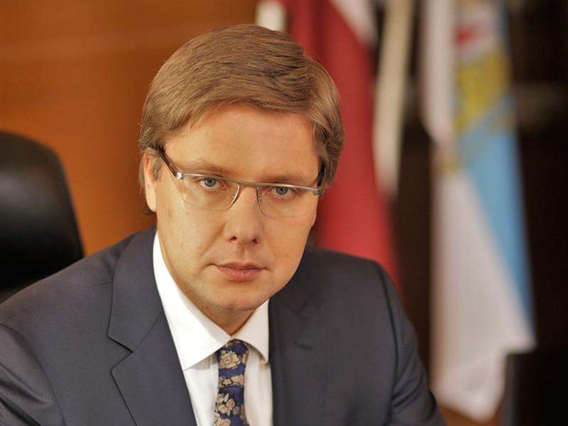 Мэр Риги Нил Ушаков отправлен в отставку. Об этом говорится в распоряжении министра окружающей среды и регионального развития Латвии Юриса Пуце, опубликованном на сайте официального правительственного вестника