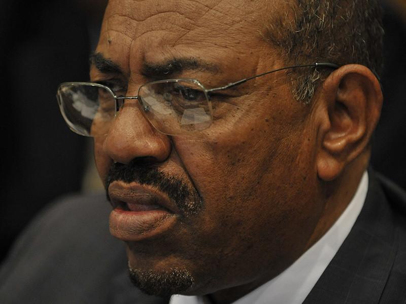"""Суданом будут управлять военные, президент помещен под домашний арест"""" />"""