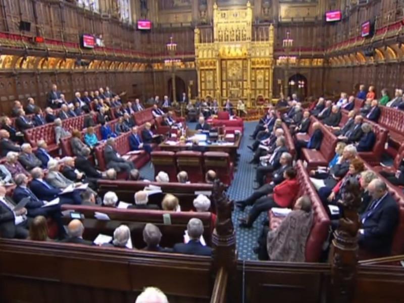 Палата общин британского парламента вечером в понедельник окончательно одобрила законопроект об отсрочке Brexit