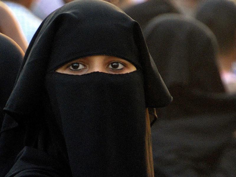 """На Шри-Ланке после терактов запретили носить одежду, закрывающую лицо"""" />"""