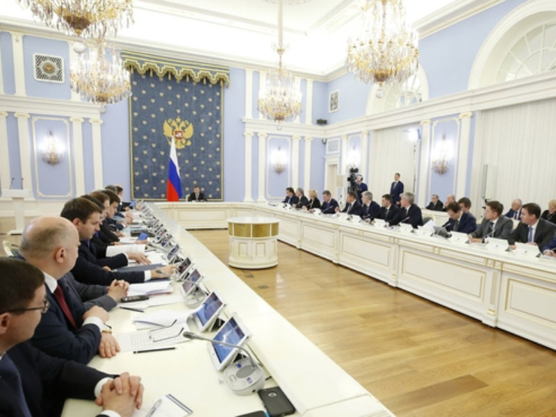 """Россия ко второму туру выборов ограничила экспорт нефти на Украину и расширила запрет на ввоз украинских товаров"""" />"""