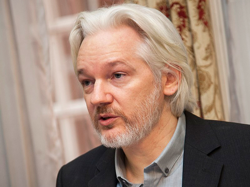 "Хакеры Anonymous пригрозили отомстить британским властям за арест Ассанжа"" />"