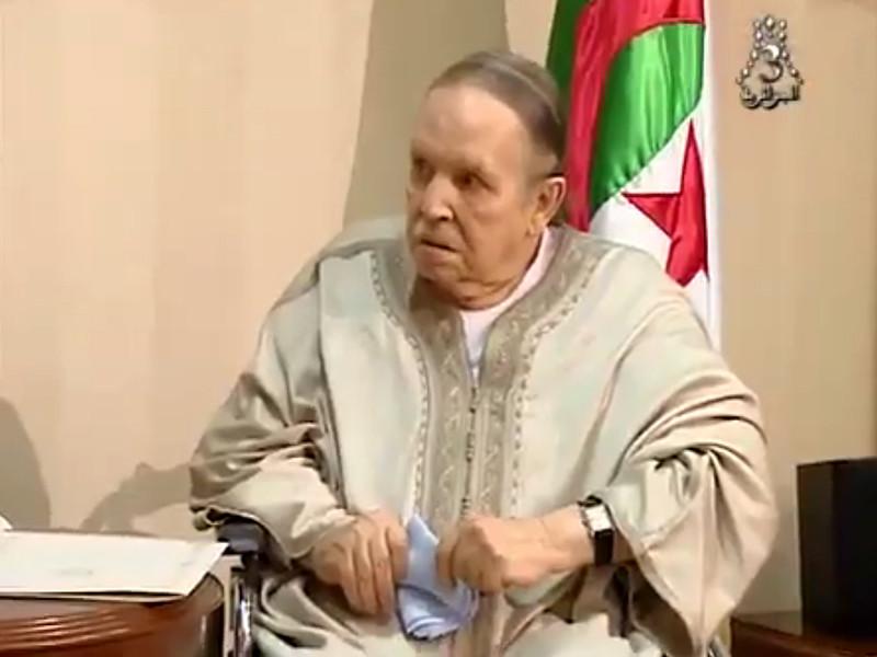 Абдельазиз Бутефлика, от имени которого во вторник было обнародовано заявление о снятии полномочий президента Алжира, в среду направил новое послание народу страны