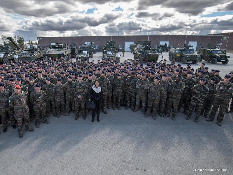 """Франция отправила в Эстонию сотни солдат, танки и БМП для """"Весеннего шторма"""" НАТО у границ РФ по противодействию российской угрозе"""" />"""